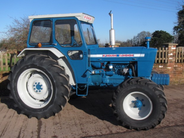 Ford County 5000, 1975, 5,337 hrs | Parris Tractors Ltd