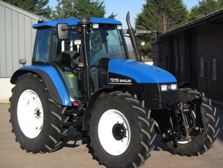 New Holland TS115, 12/2002, 4,212 hrs | Parris Tractors Ltd