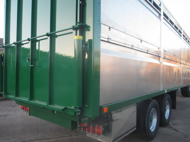 Tractor Lift Gate : Bailey ft livestock trailer new parris tractors ltd