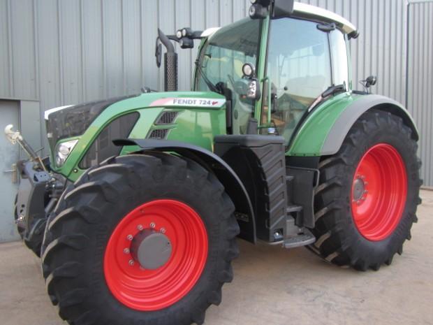 fendt 724 profi plus 03 2013 740 hrs parris tractors ltd